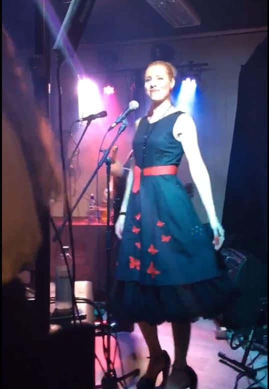 Nina Grobstok Lunderby i EVO på Hangover Bar Bjørkelangen