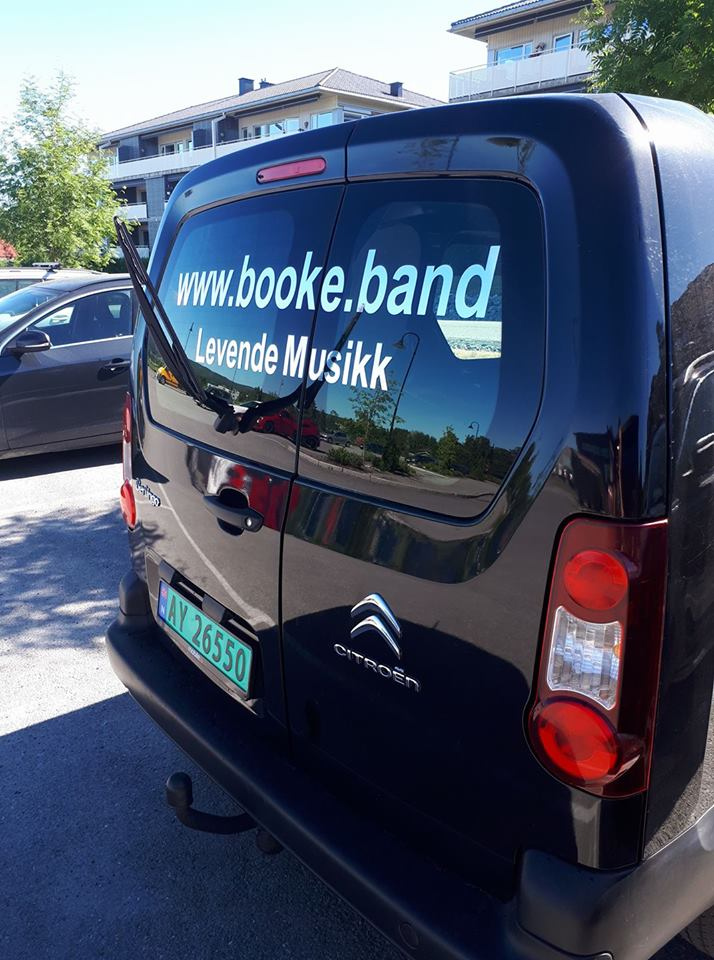 Bandbussen til EVO partyduo og enmannsbandet StingRay
