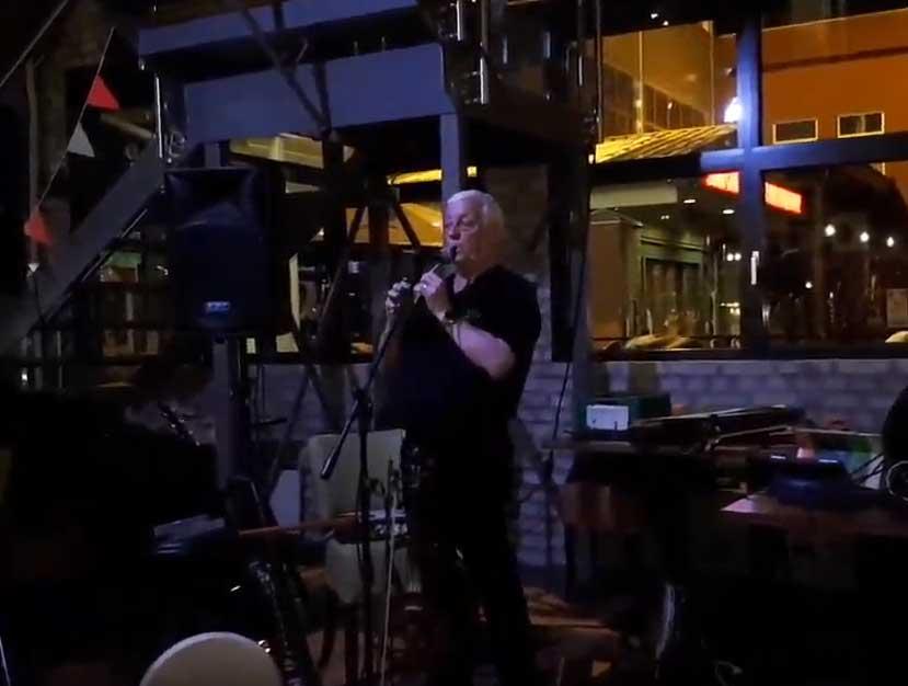 Enmannsband og irsk trubadur Brendan O'Brian
