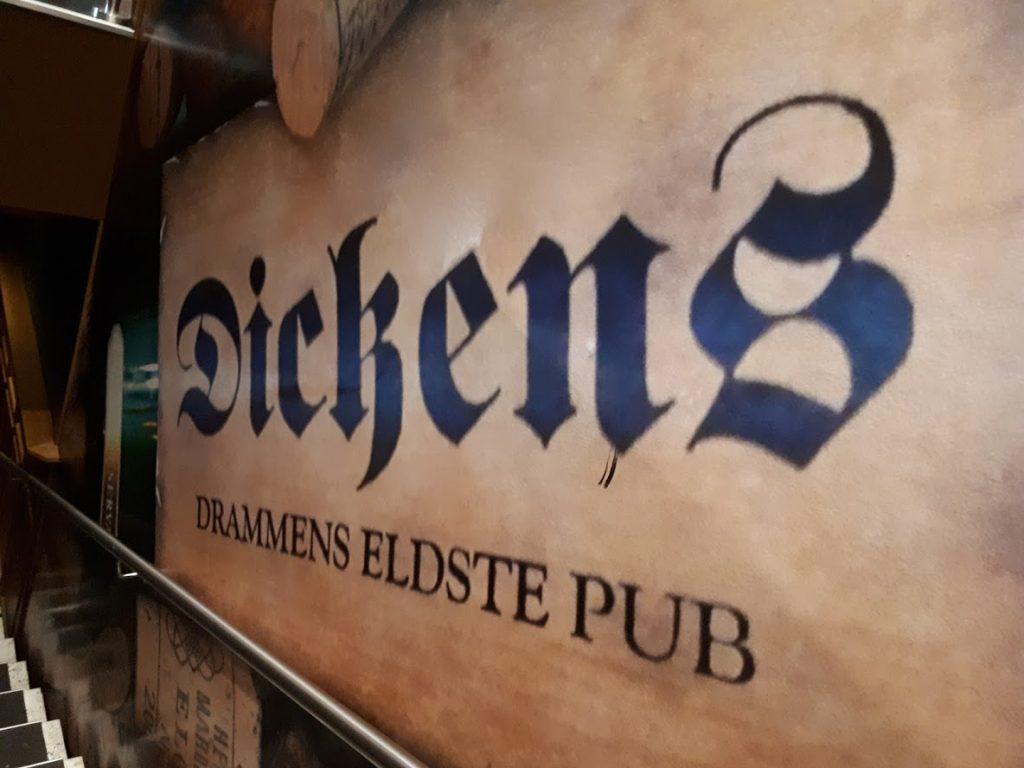 Dickens pub, Drammens eldste pub. EVO Partyduo står for underholdningen denne kvelden