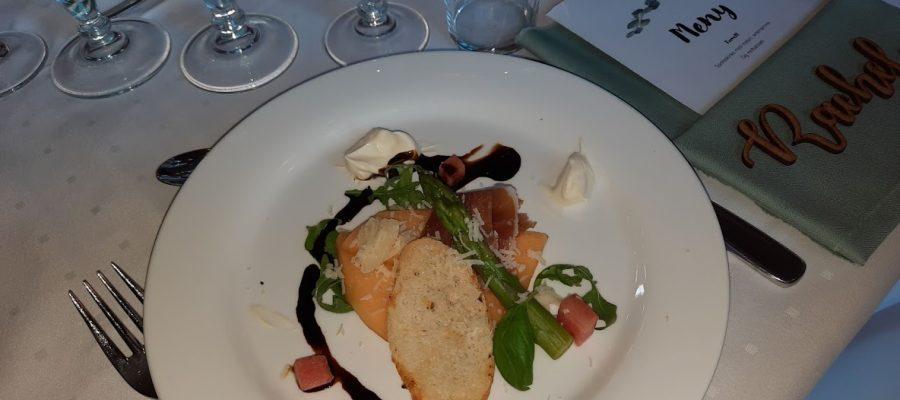 Nydelig mat ventet bryllupsgjestene i Sør-Fron